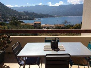 Bel appartement climatise avec terrasse sur mer