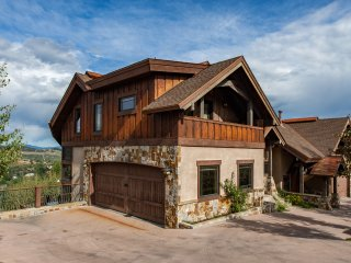 5★Luxury Ski Chalet★Close to Mt & town★Incredible Sunsets