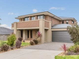 10 Dianella Way, Cowes