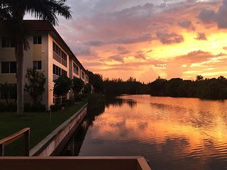 Spanish Cay E6: Gorgeous Updates and Decor & River Views of Island Wildlife!!