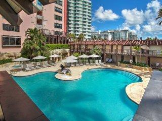 NEW! Oceanfront 2BR Miami Beach Condo -Pool Access