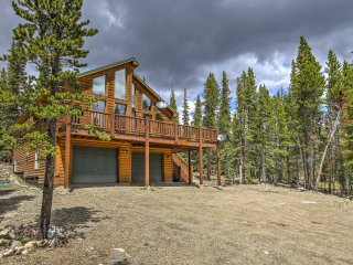 Fairplay Log Cabin w/Large Deck & Mountain Views!