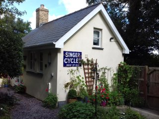 The Cwtch at Caerwedros - Between New Quay and Llangrannog - Cosy, Pet Friendly