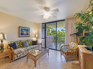 Live Maui w/Tropical Motif, Open Kitchen, Lanai, AC, WiFi–Kamaole Sands 9202