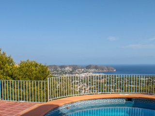 Thalia - holiday home with private swimming pool in Moraira