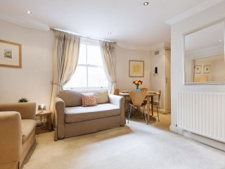 Lexham Gardens Lodge apartment in Kensington & Chelsea with WiFi & lift.