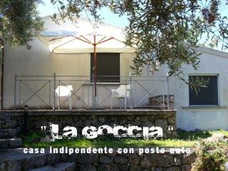 casa indipendente con posto auto
