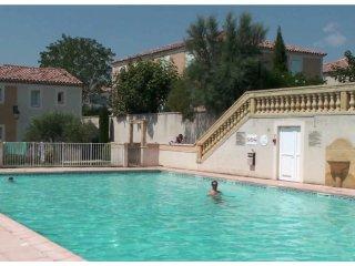 Chez VirYann Villa centre Uzes jardin et piscine