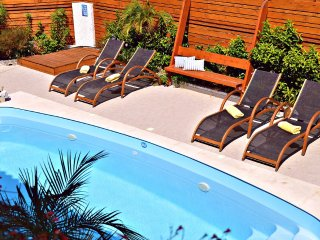 Despina's Terrace: Luxury Villa with Private Pool,Sauna,Jacuzzi room