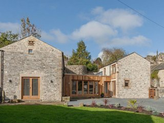 The Barns - Fabulous Barn Conversion in the Heart of Bakewell