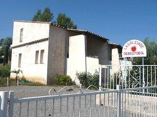 les Cigales appart dans villa avec piscine2- 4 pers 15mn de Cannes ,  Frejus