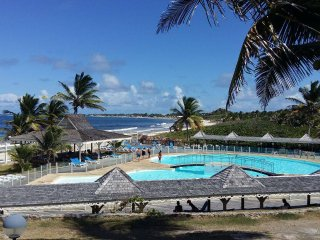 Orient bay - vue mer -  piscine