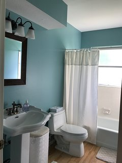 Guests Bathroom with Shower and Tub