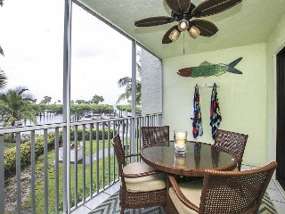 South Seas Bayside Villa 4102. Modern updated interior decor. Near Beach