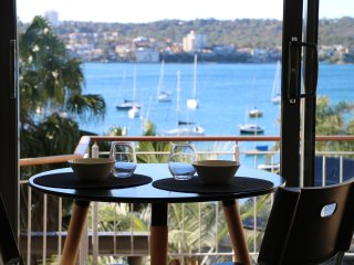 Manly Harbourside Harbourview Apartment on Forty Baskets Beach