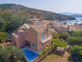 Lavranos House