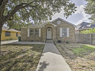 Cozy Weslaco Home w/Backyard in Quiet Neighborhood