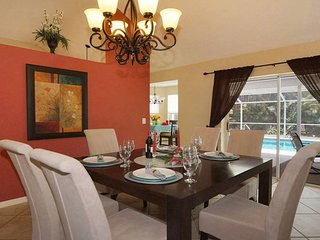 VILLA ARECA in CAPE CORAL BEAUTIFUL PRIVATE 3 BEDROOM LARGE POOL GREAT LOCATION