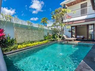 Beautiful 3Br Villa with Jacuzzi close to the Surfing Beach