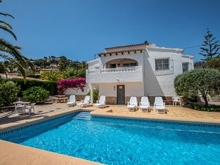Yojo - holiday home with private swimming pool in Moraira