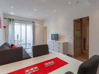 Nice 60sqm flat for six in the City Center