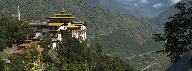 Bouddhiste traditionnel Gumpa au Bhoutan oriental