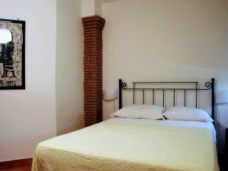 Camera matrimoniale in appartamento riservato ed esclusivo in villa prestigiosa.