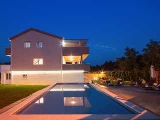 NEW! VILLA JELENA with pool, sauna, 4 bedrooms, fully air-conditioned