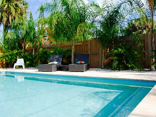 Cozy Coco Cottage in Lake Worth/ Palm Beach with private Pool close to Beach