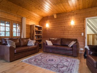 Chalet Oratoire - Newly Refurbished Farmhouse