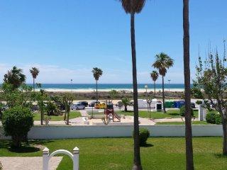 Conil playa: apartamento comodo, acogedor iy con vistas al mar!