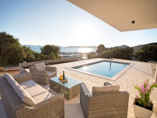 Luxury Villa Gellia is located in the Zadar archipelago on the island Ugljan