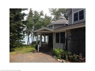 Little Cove on Plumb Point - NEW!