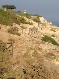 Le phare d'Alfanzina à 450 mètres de la maison et le GR pour une balade inoubliable sur les falaises