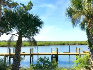 SPRING! Kate's Places - DIRECT RIVERFRONT PRIVATE BOAT DOCK LUXURY 2B/2B VILLA