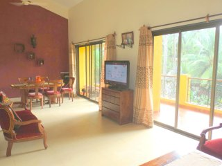 06) Spacious Luxurious Penthouse Apartment Sleeps 7 & WiFi