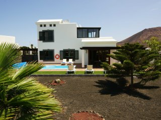 Hipoclub Villas, 54 'Rosa' villa With Beautiful Views And Private Swimming Pool
