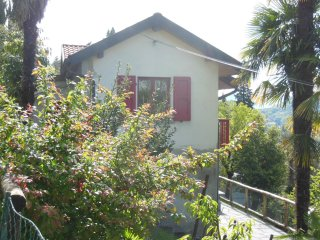 Woods, Hills, Lakes and Sunshine in Ticino: Vacation House 'La Rusticanella'