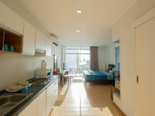 Condominium studio room seaview for rent at  Klongmoung beach B01