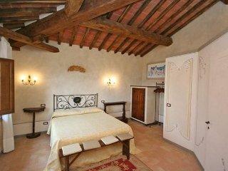 10 bedroom Villa in Foiano della Chiana, Tuscany, Italy : ref 5241287