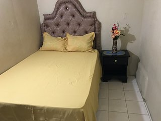 B2 1 Bedroom Apartment US $25 Car Rental