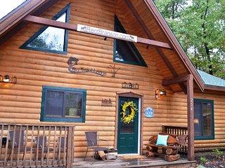 Big Trout Lodge w/ Hot Tub