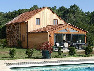 La balade au Bois- Le Noyer - beautifully renovated barn near Sarlat, Dordogne