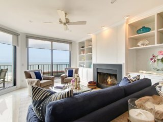 Oceanfront Penthouse In Paradise --altimate Getaway For You & Your Family!!