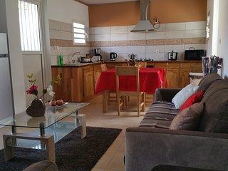 Maison entière meublée 6 personnes maximum,sur Entre Deux - La Réunion.