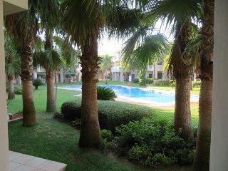 Poolside ground floor apartment. Best location in Roda