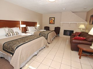 2 BEDROM. PRIVATE SUITE. 401, MAX 5-10 PERS. GARDEN, BBQ