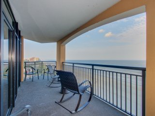 Newly Renovated in 2018! Direct Oceanfront 4 Bedroom Corner Condo at The Island