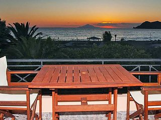 Akrogiali Apartment Close to the Beach