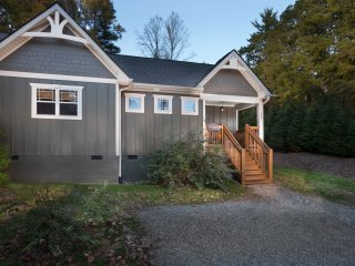 Asheville Cottages...Romantic, Luxurious and Immaculately Clean